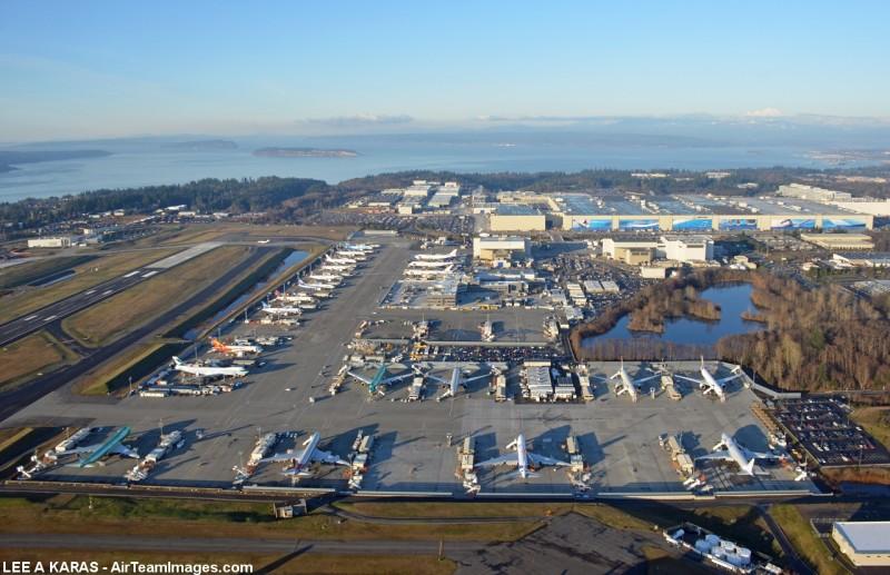 Завод Боинг Основной корпус и стоянка самолётов
