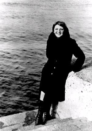 Погибшая старшая бортпроводница злополучного рейса угнанного Овечкиными - Семью Симеонами Тамара Жаркая