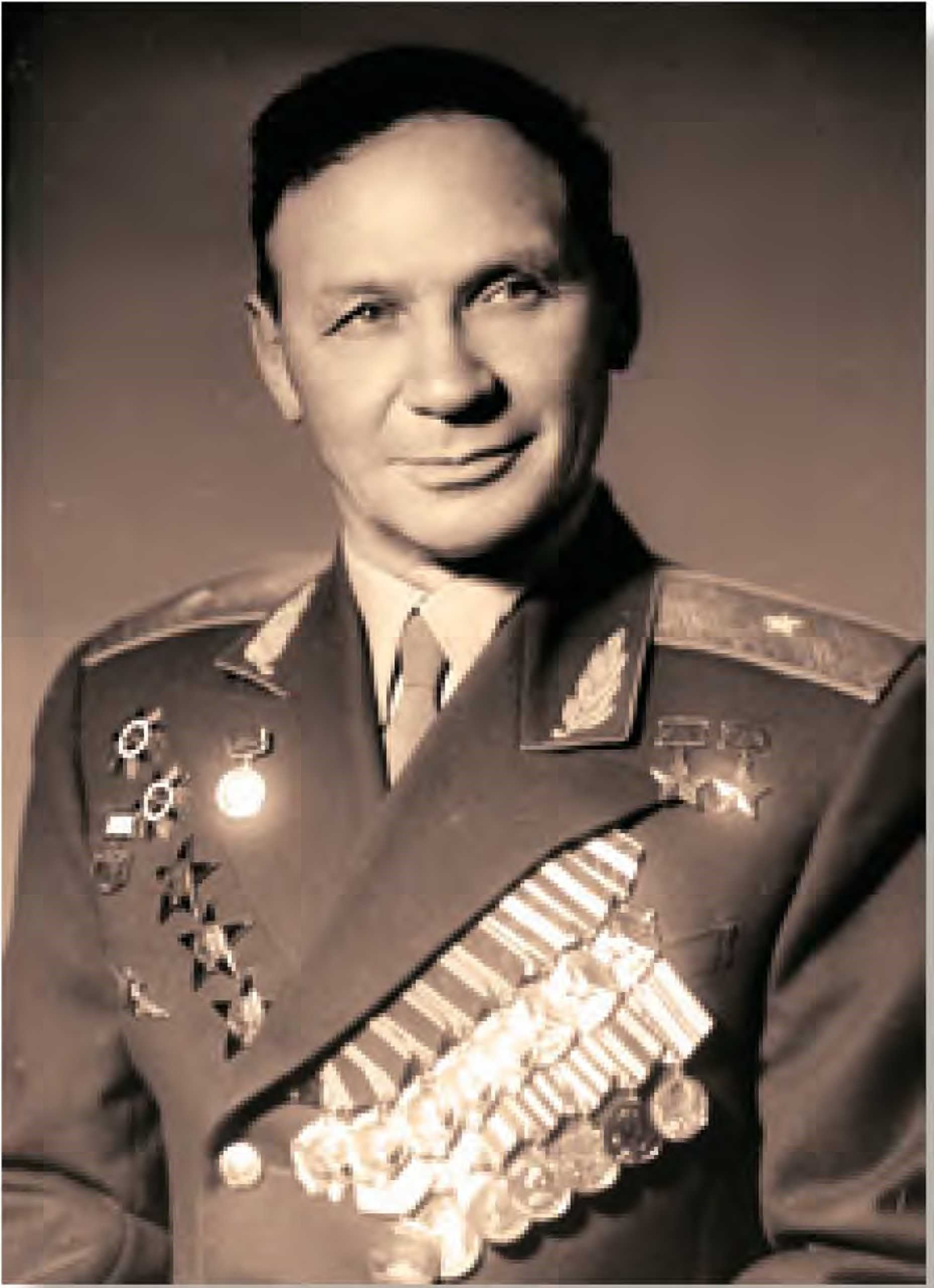 Владимир Константинович Коккинаки генерал-майор Дважды Герой Советского Союза