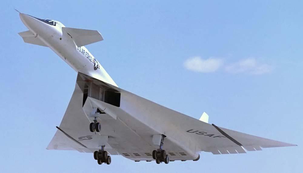 Американский сверхзвуковой стратегический бомбардировщик XB-70 Valkyrie - Валькирия Самолёт обладал ТРЕМЯ скоростями звука