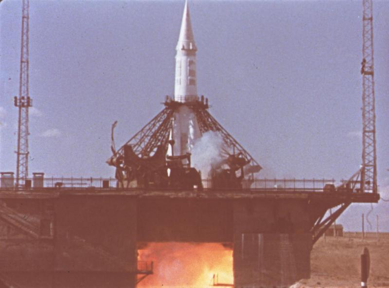 Межконтинентальная ракета Р-7 во время старта