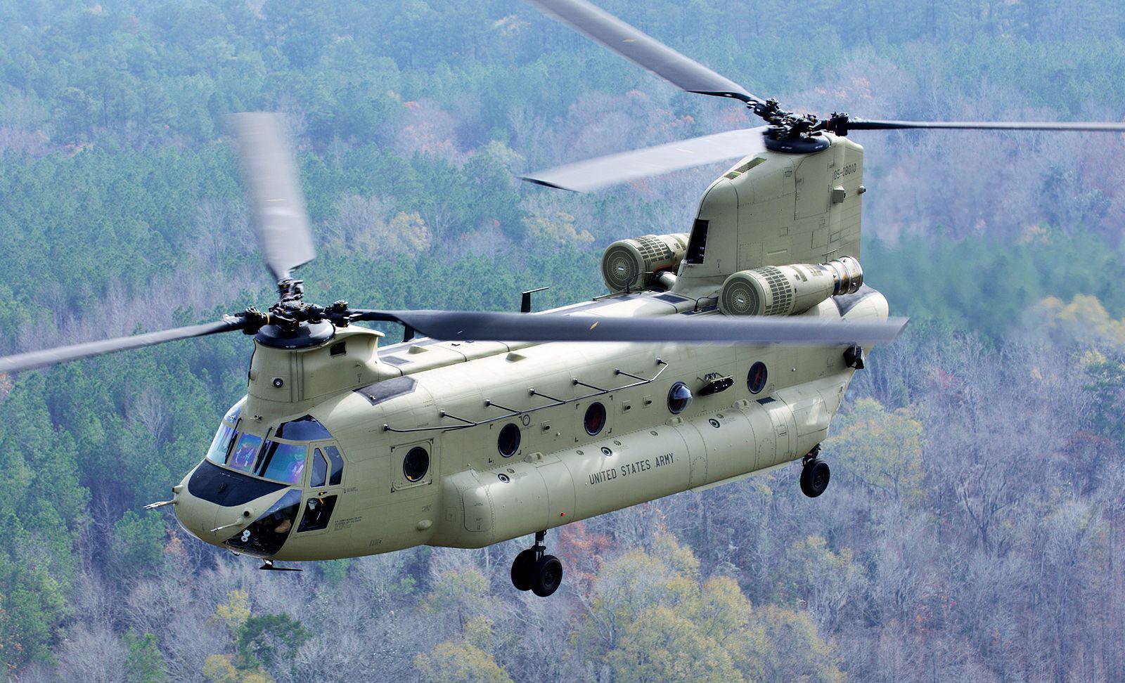 Американский транспортный вертолёт Boeing CH-47 Chinook