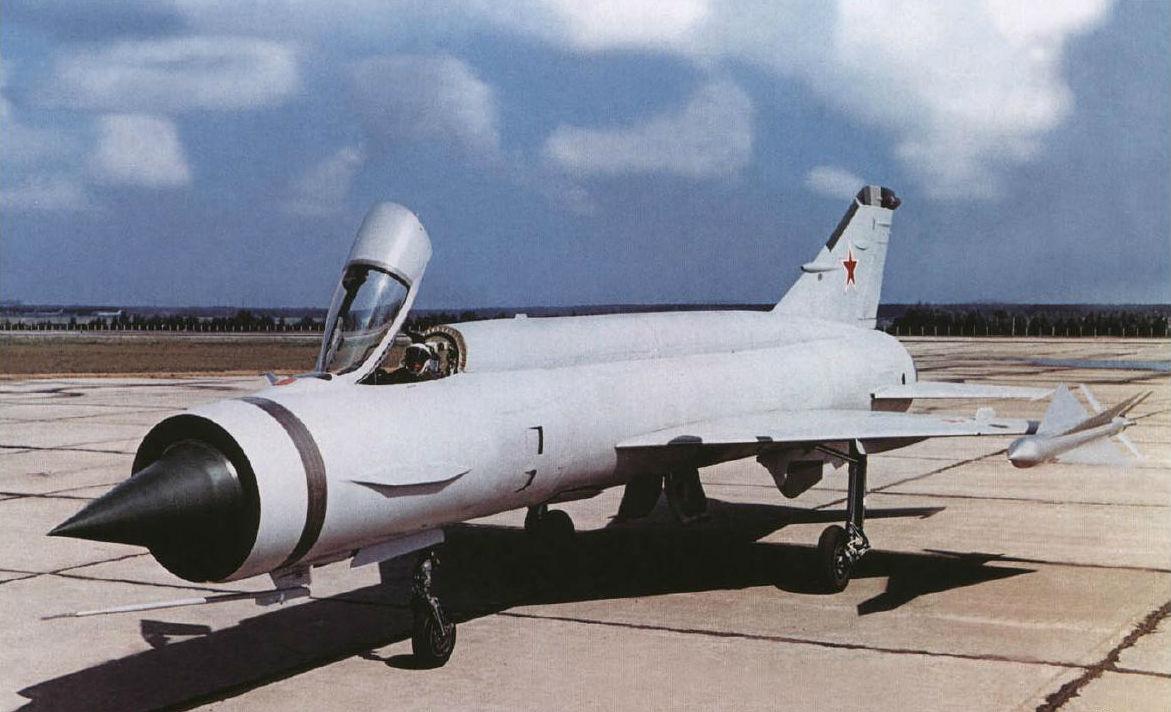 Экспериментальный истребитель-перехватчик КБ Микояна E-150