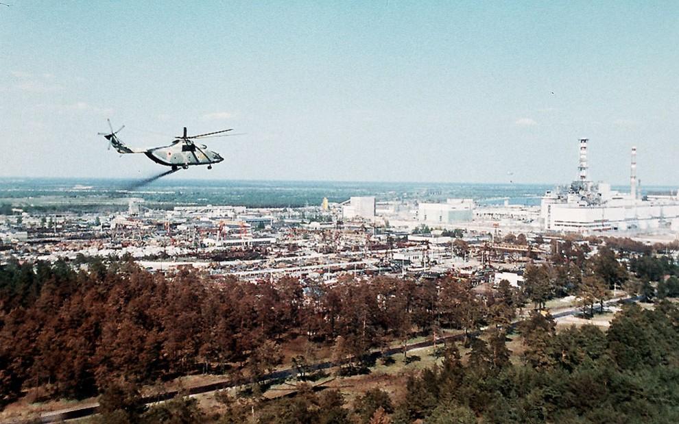 Самый большой в мире СЕРИЙНЫЙ транспортный вертолёт Mи-26 принимает участие в ликвидации последствий Чернобыльской катастрофы