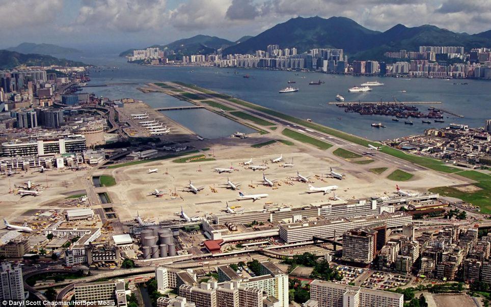 Аэропорт Кай Так в Гонконге