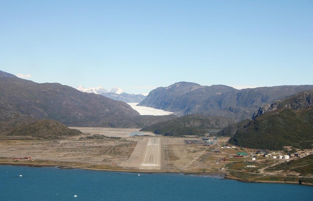 Аэропорт Нарсарсуак в Гренландии (Narsarsuaq)