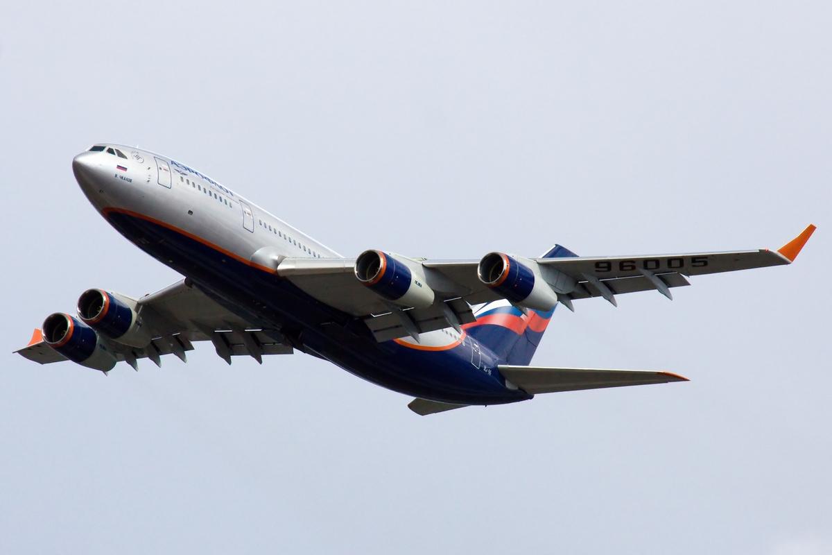 Ил-96-300 в полёте