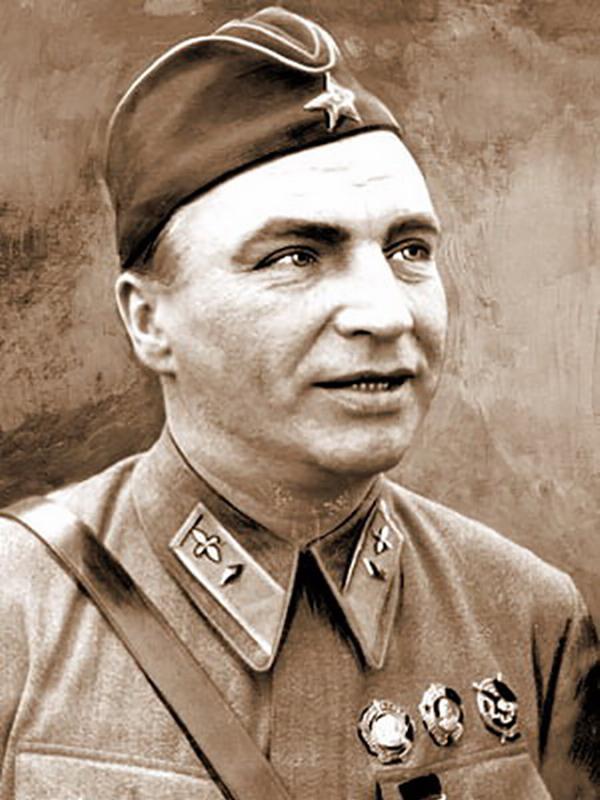 Валерий Павлович Чкалов военный лётчик