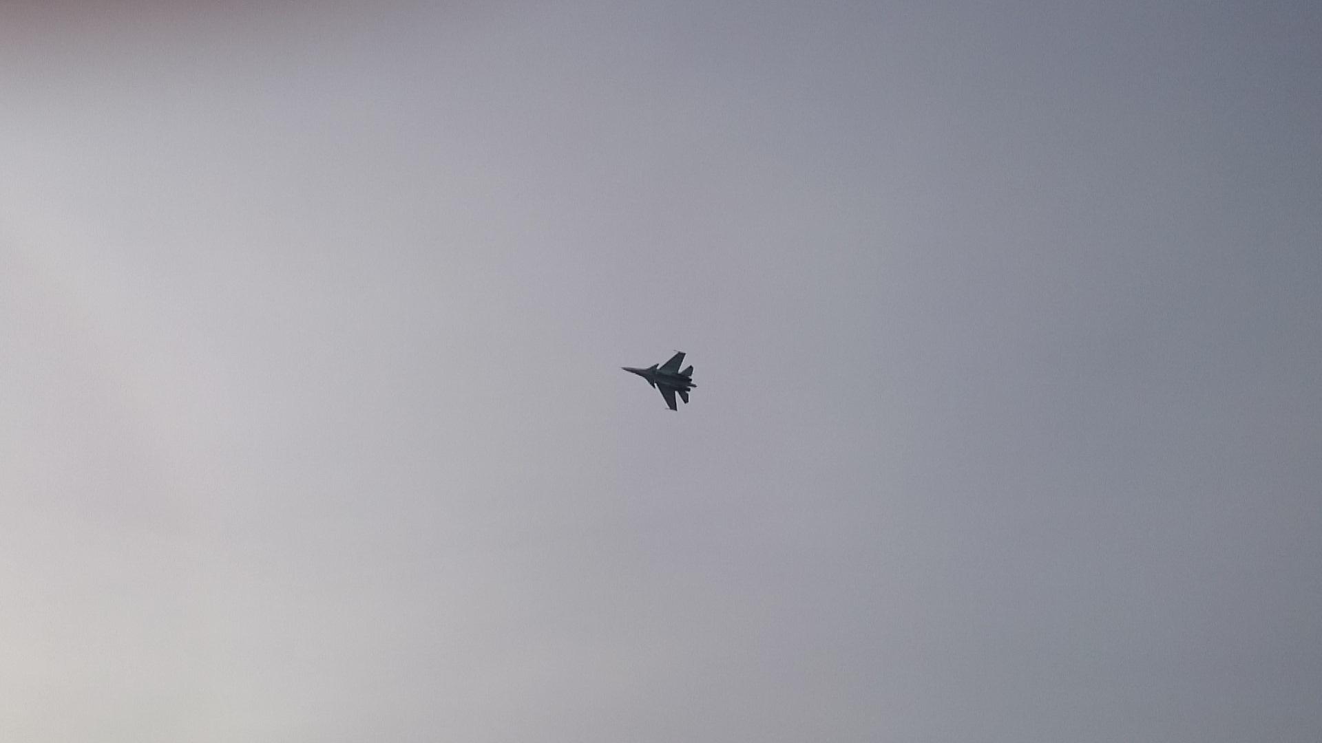 Красноярск Авиашоу над городом Истребитель Су - 30._25.10.2014г.