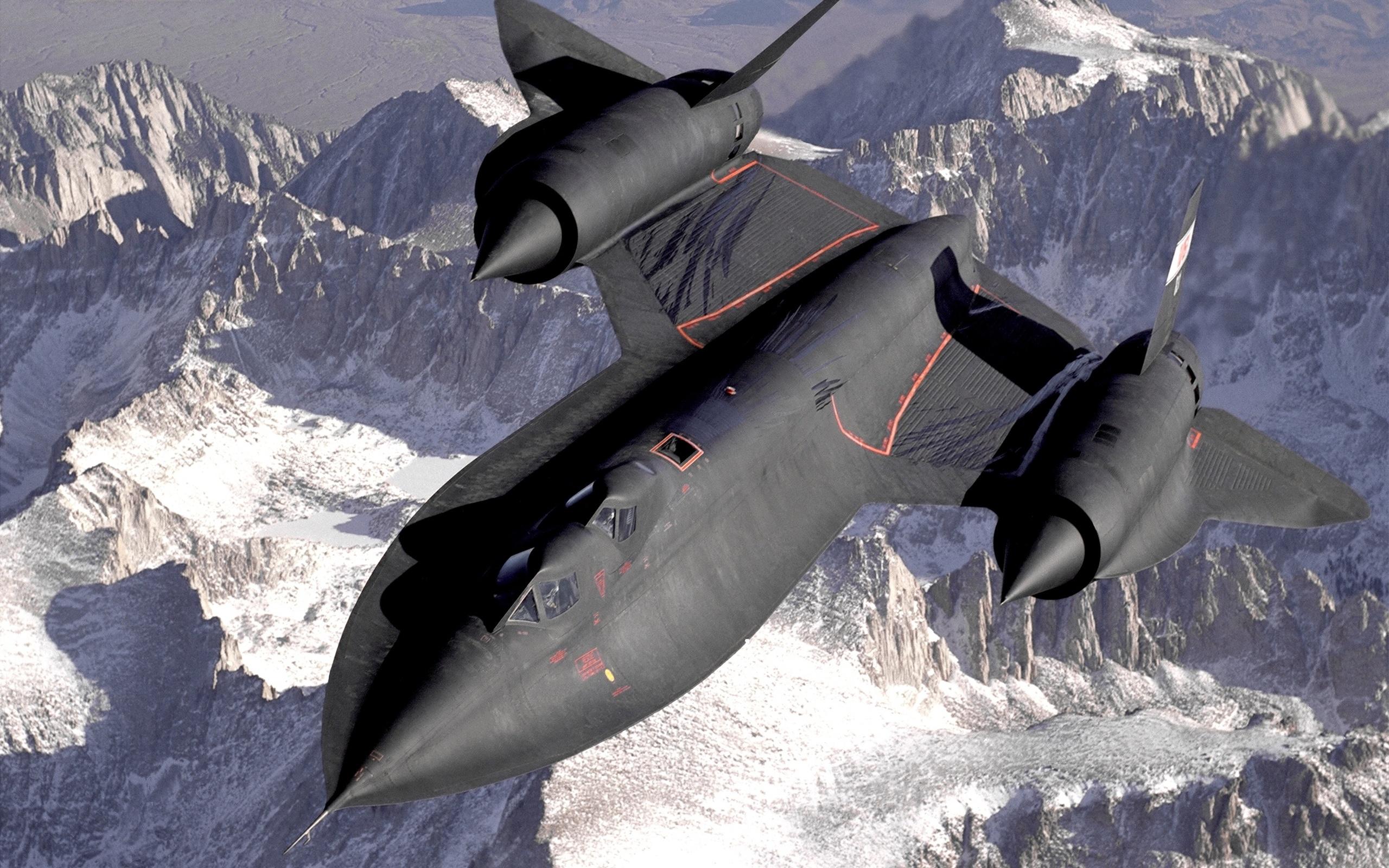 Американский гиперзвуковой разведчик SR-71 Скорость 5000 км в час Высота полета 30450 м._5128