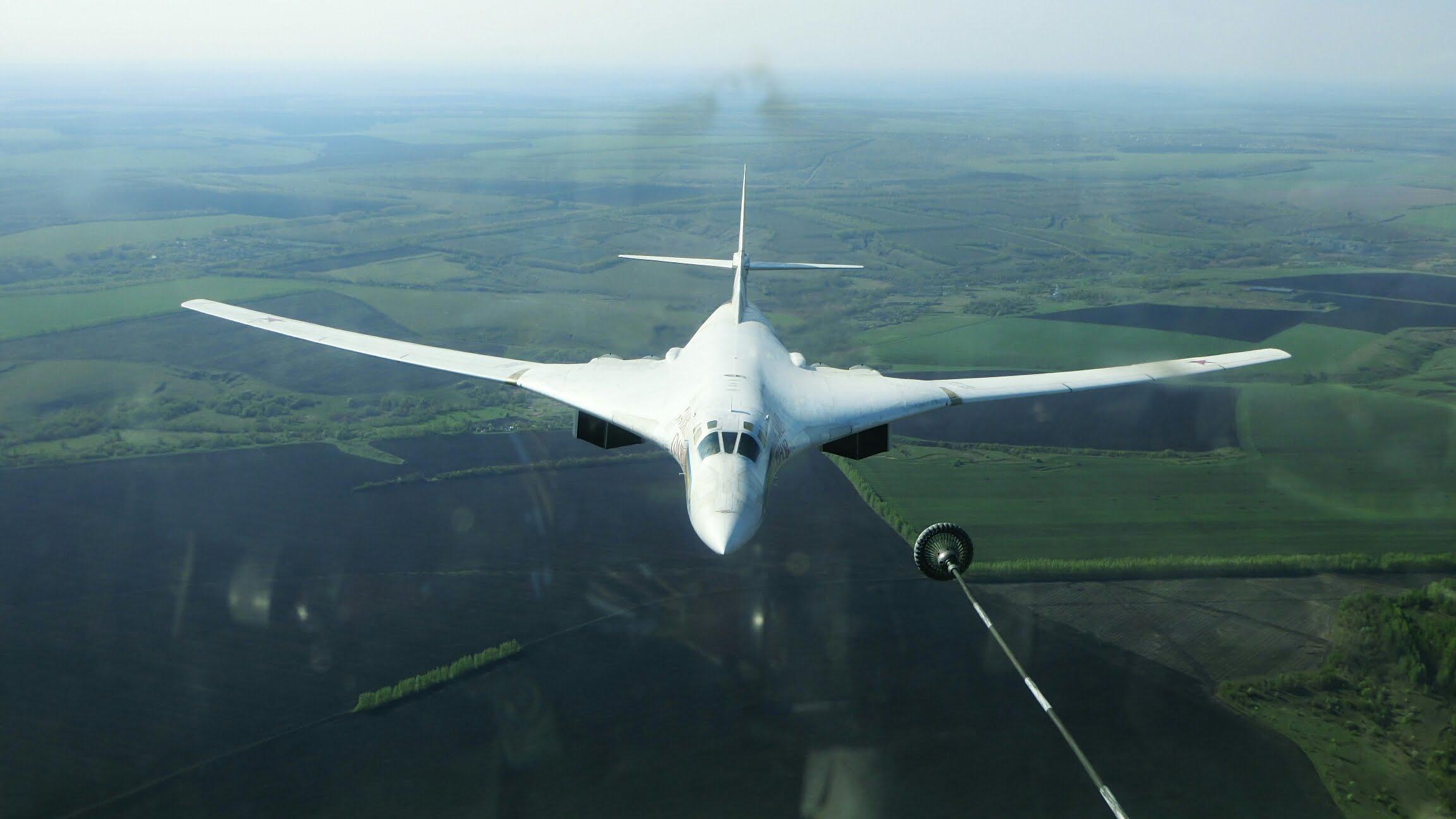 Ту-160 Дозаправка в воздухе на скорости 500-600 км в час
