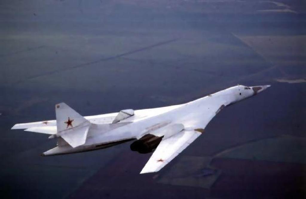Ту-160 Полёт на сверхзвуке Крылья в положении увеличенной стреловидности