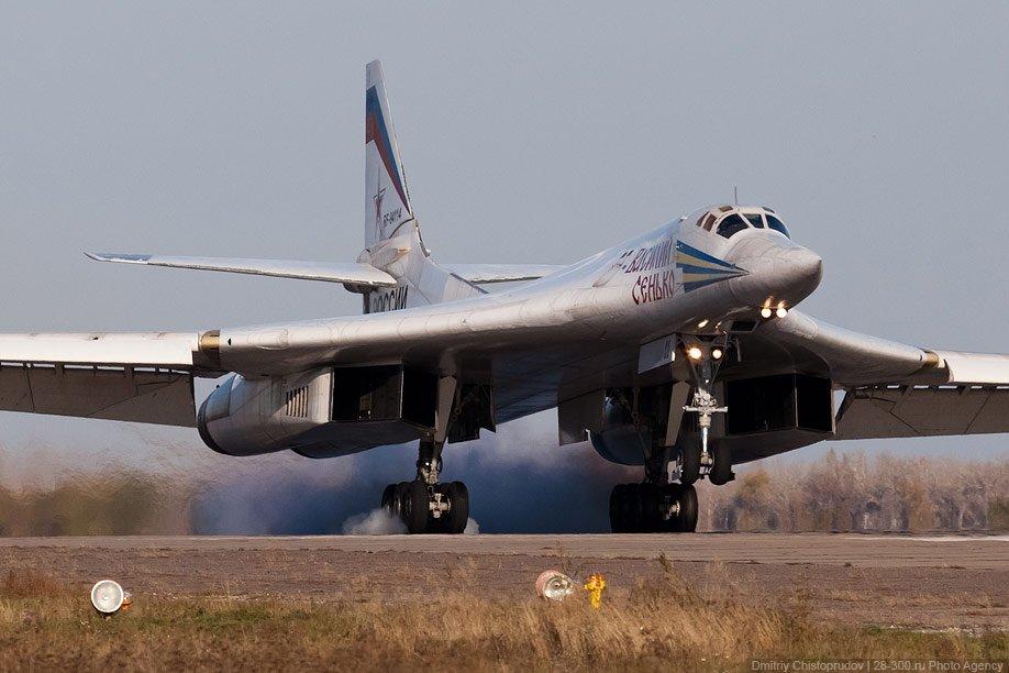 Ту-160 Посадка Момент касания колёсами полосы