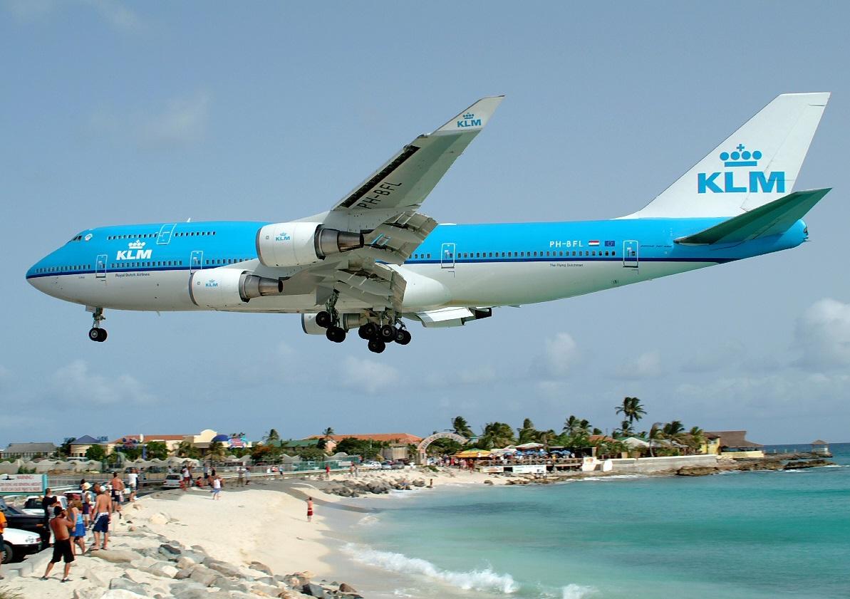 Боинг 747 Карибское море Антильские острова Остров Сен-Мартен.