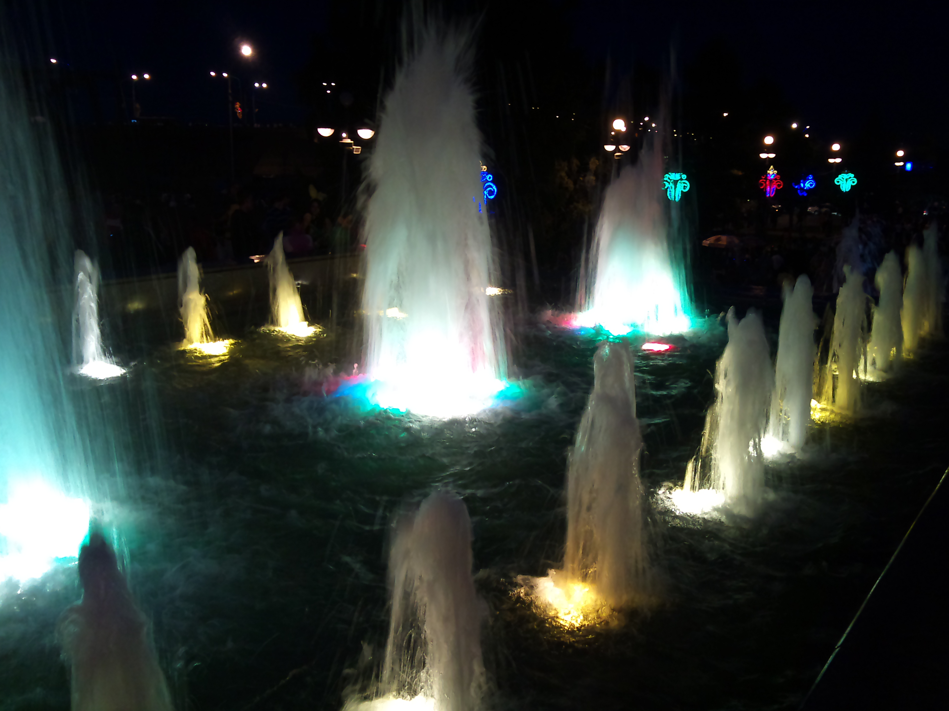 Красноярск фонтан Театральный. 30.06.2012 года