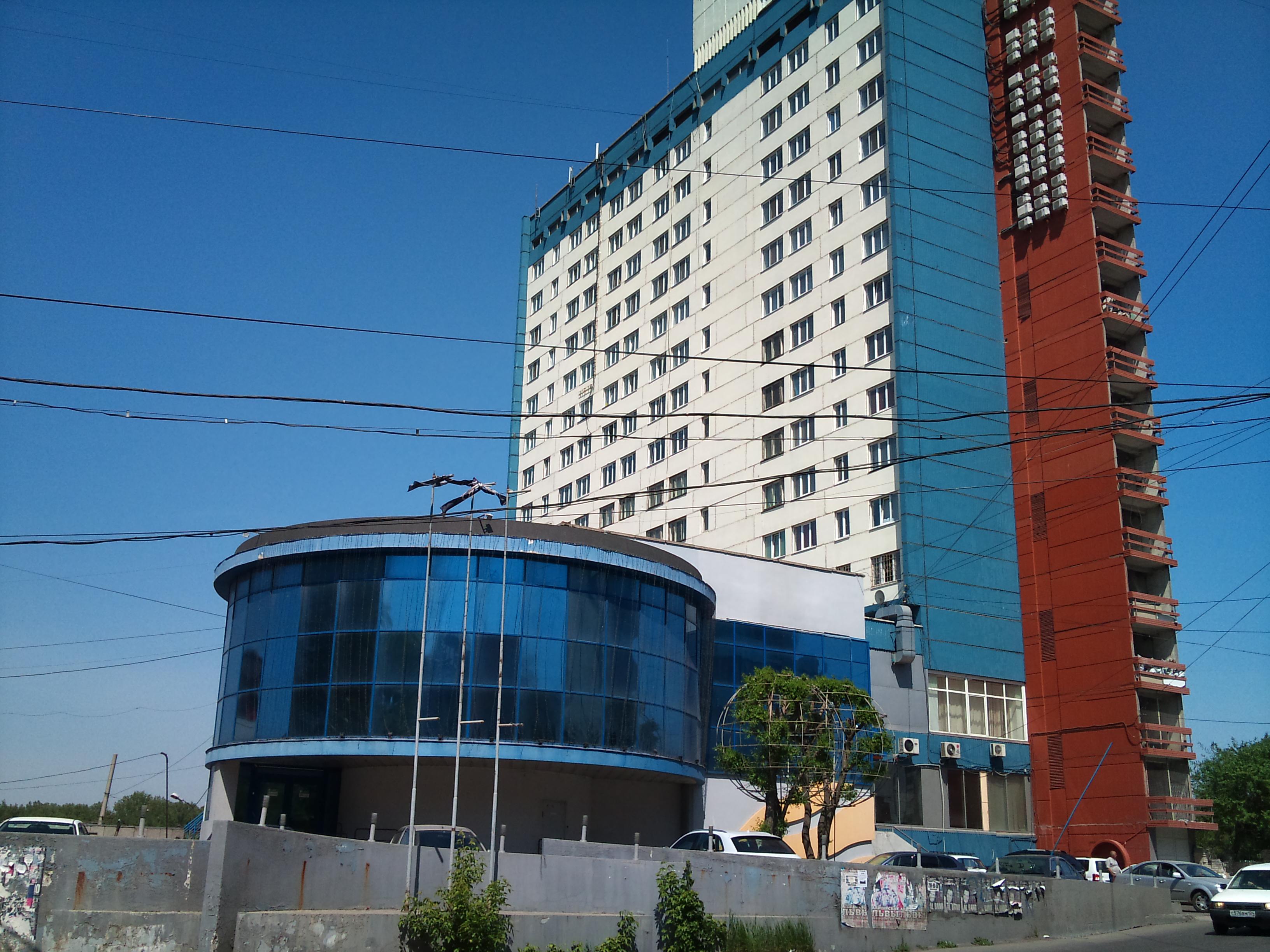 Красноярск гостиница АМАКС Сити Отель и ночной клуб Euro. 8.06.2012 года