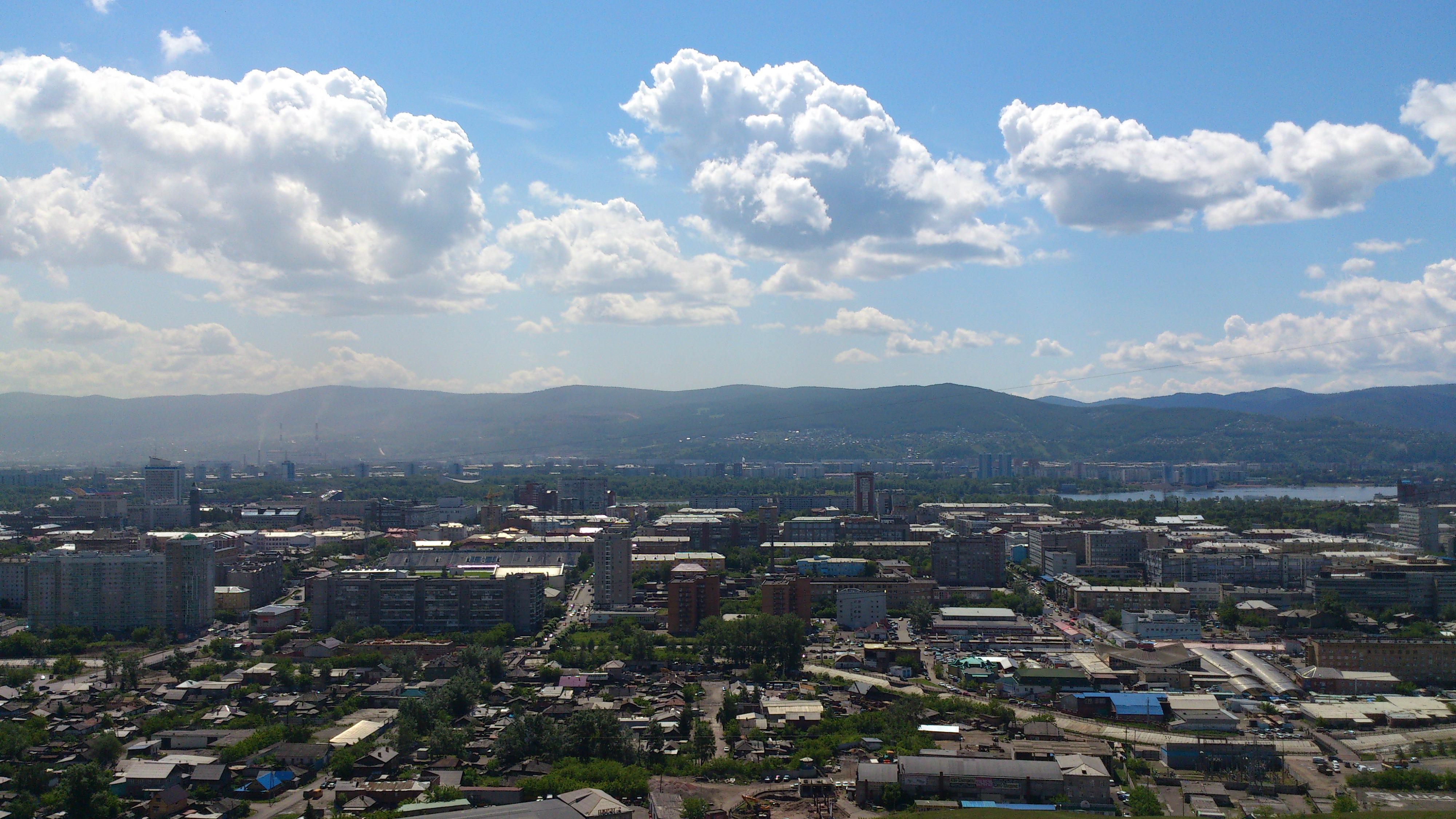 Красноярск вид с Часовни на центр города. 28.06.2013 года