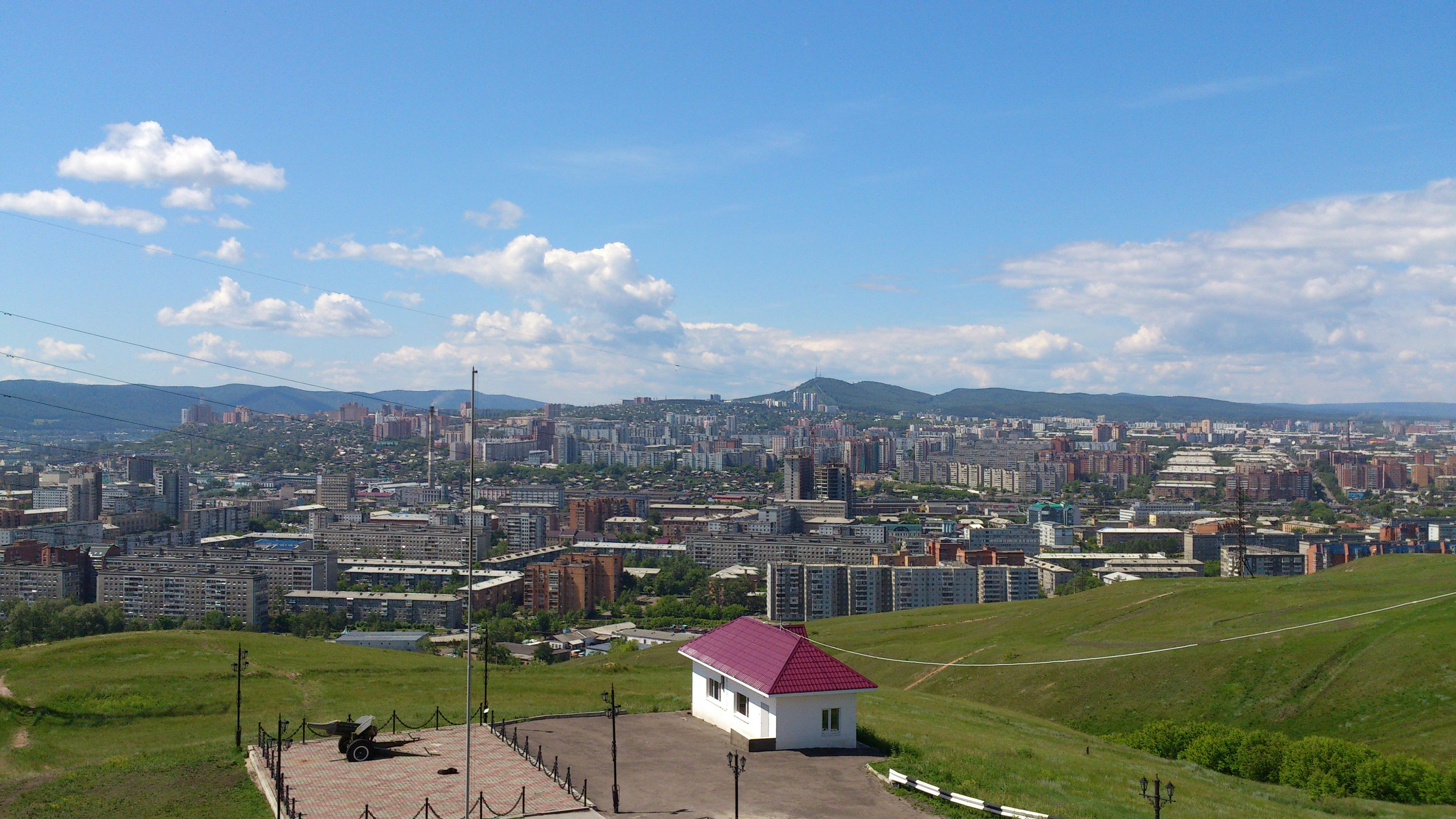 Красноярск вид с Часовни на западную сторону света. 28.06.2013 года