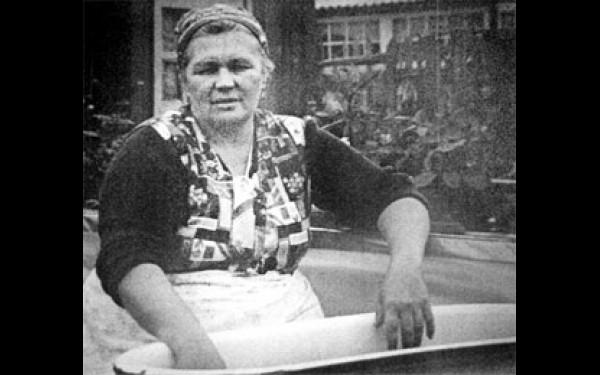 Мать семьи Овечкиных - Семи Симеонов Нинель Овечкина
