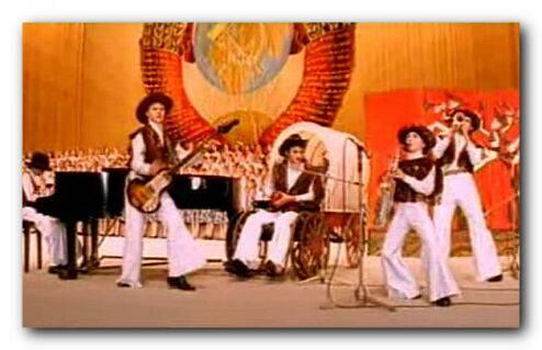 Овечкины Семь Симеонов на сцене во время выступления