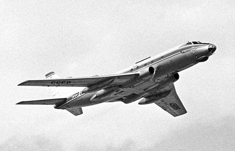 Ту-124 такой же который совегшил посадку на реку Неву
