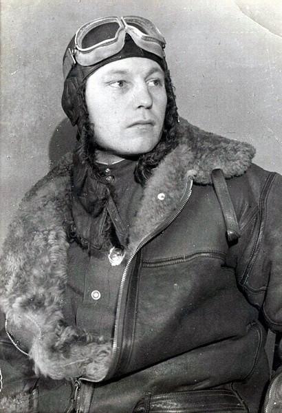 Александр Иванович Покрышкин в лётной форме