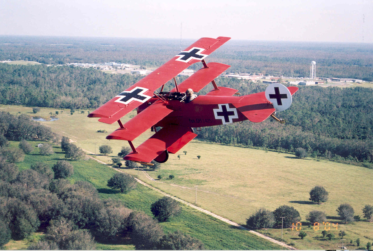 Истребитель Первой Мировой войны триплан Фоккер П1