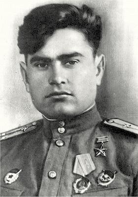 Алексей Петрович Маресьев с боевыми наградами