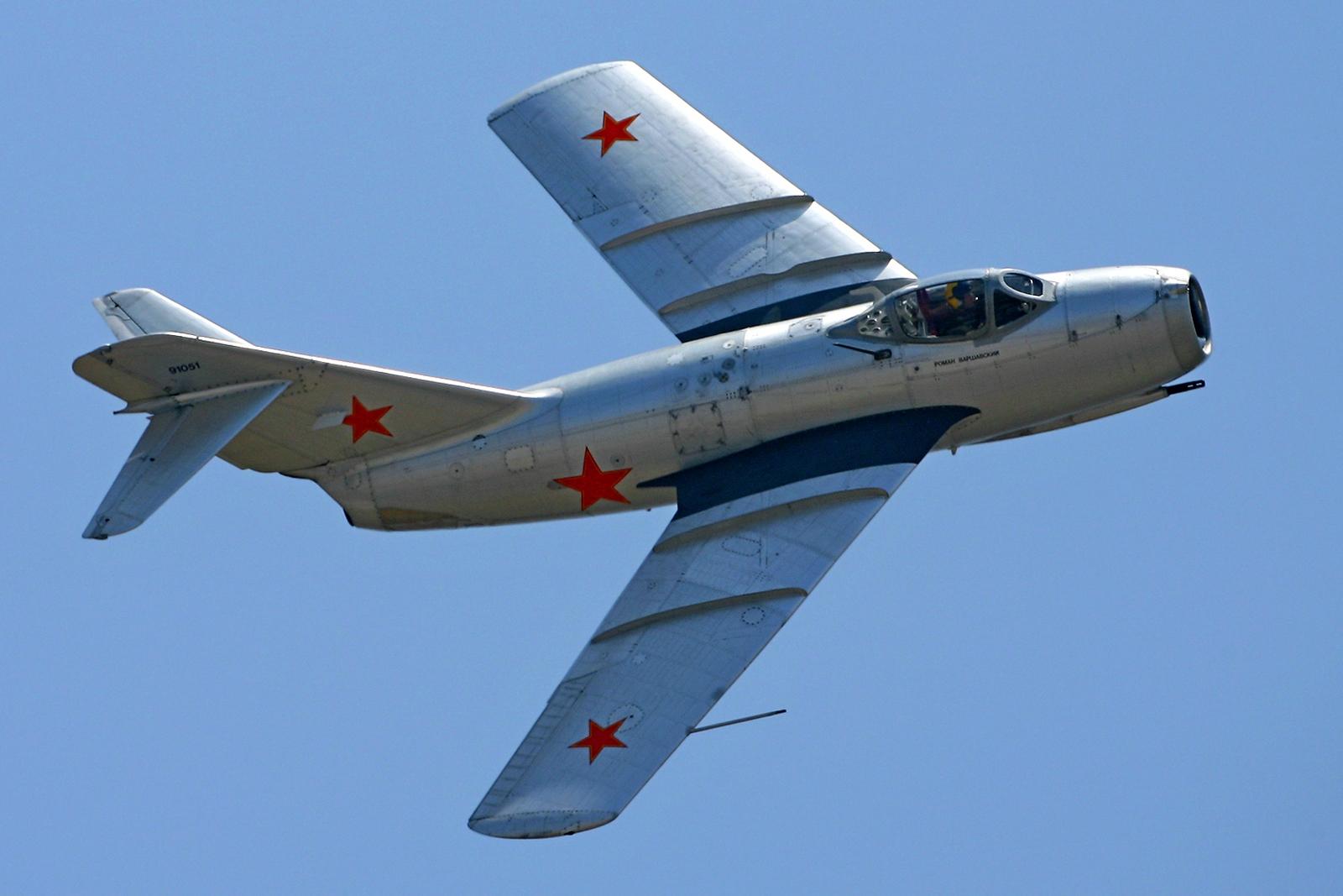 МиГ-15 на вираже