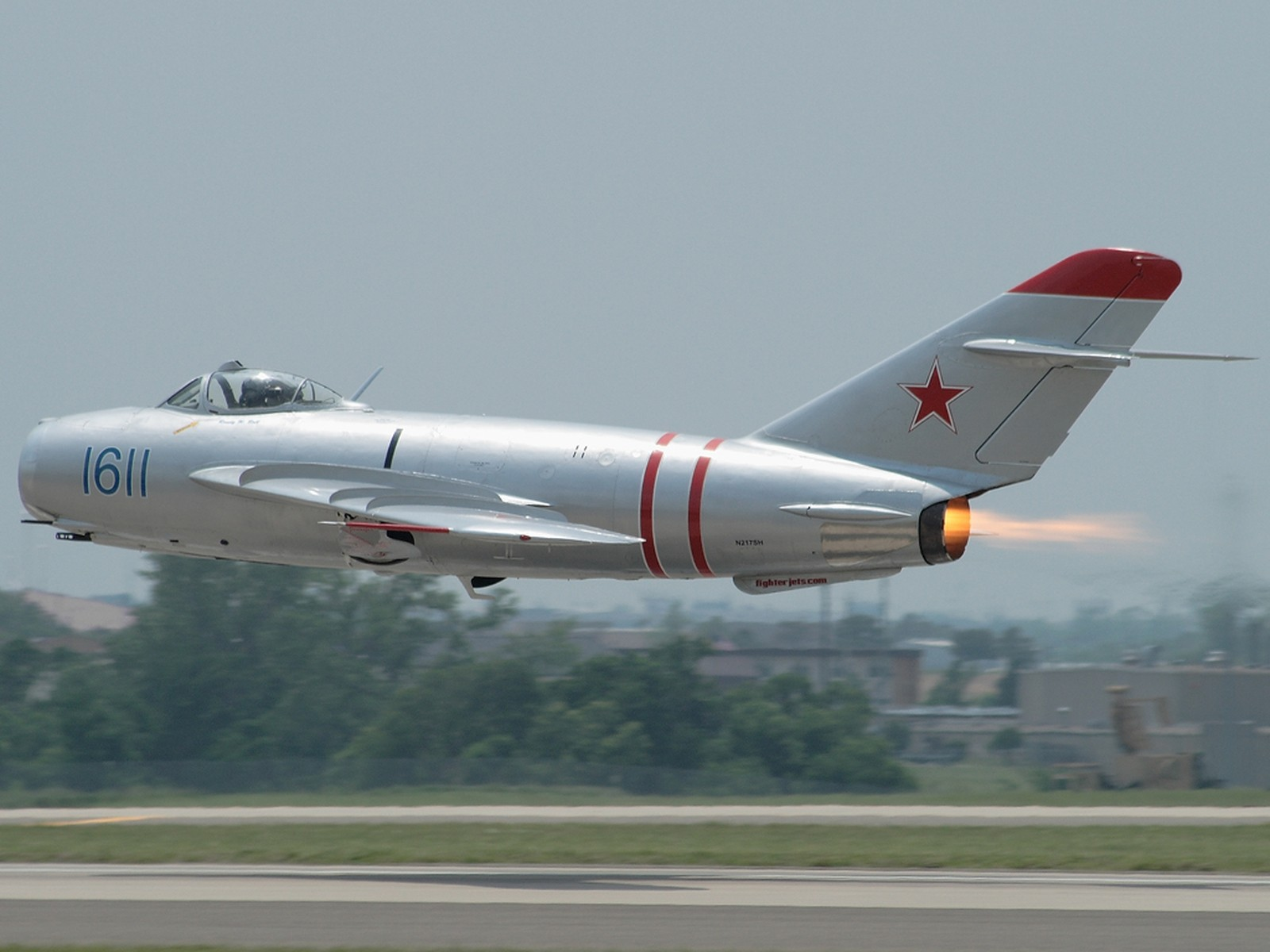 МиГ-17 на сверхмалой высоте