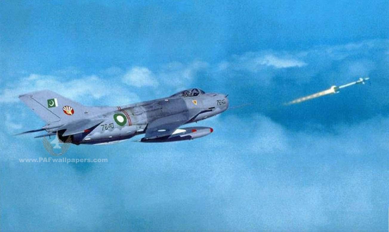 МиГ-19 на хвосте флаг Пакистана Пуск ракеты
