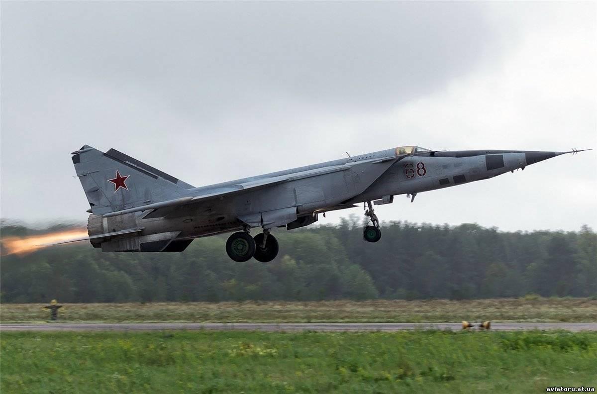 МиГ-25 на взлёте