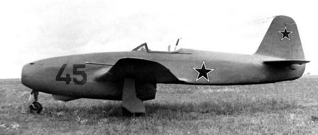 МиГ-9 с двигателями БМВ