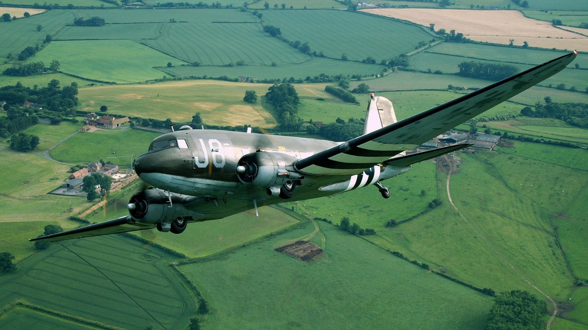 Американский самолёт DC 3