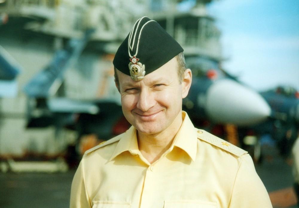 Тимур Автандилович Апакидзе на палубе авианосца Кузнецов