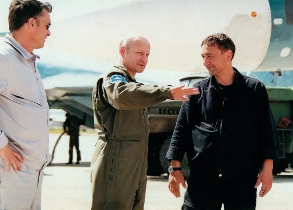 Тимур Автандилович Апакидзе обсуждает полёт
