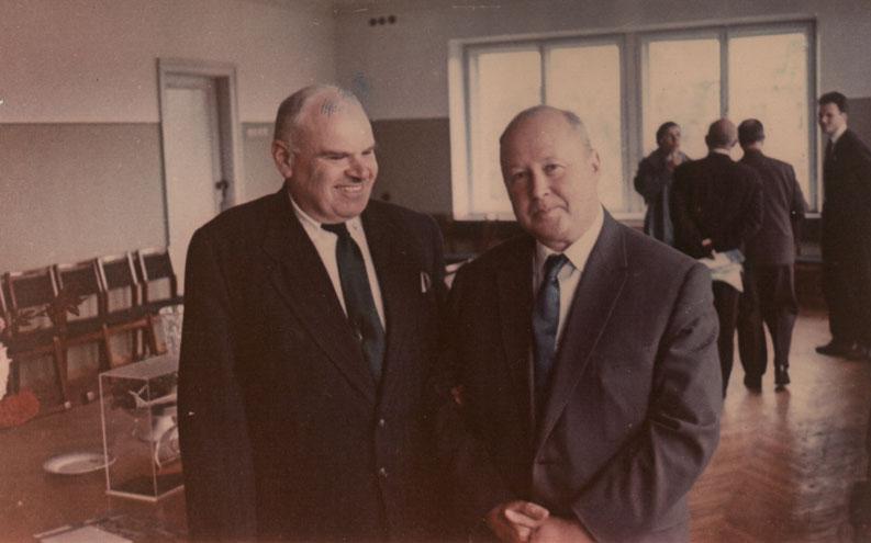 Михаил Леонтьевич Миль (справа) и Николай Ильич Камов Прославленные создатели вертолётов