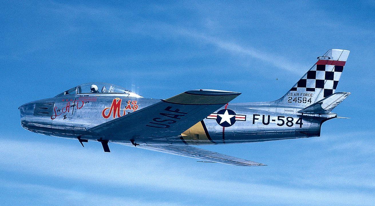 Американский истребитель F-86 Сэйбр Главный соперник МиГ-15 в корейской войне