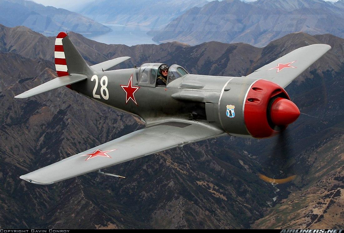 Истребитель Семёна Алексеевича Лавочкина Ла-7 отреставрированный до лётного состояния в США и летающий в США