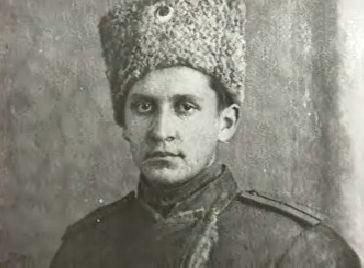 Авиаконструктор Павел Осипович Сухой в армии в должности начальника пулемётной группы