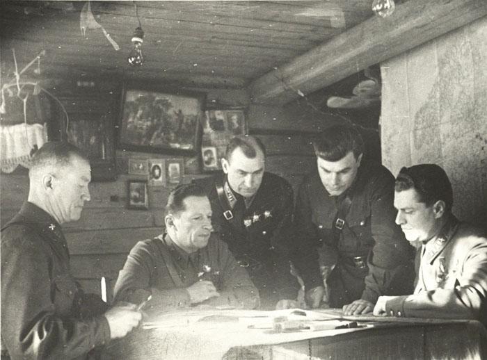 Михаил Михайлович Громов на фронте