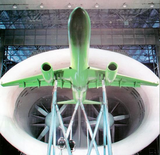 Современная аэродинамическая труба Продувка самолёта Ту-204