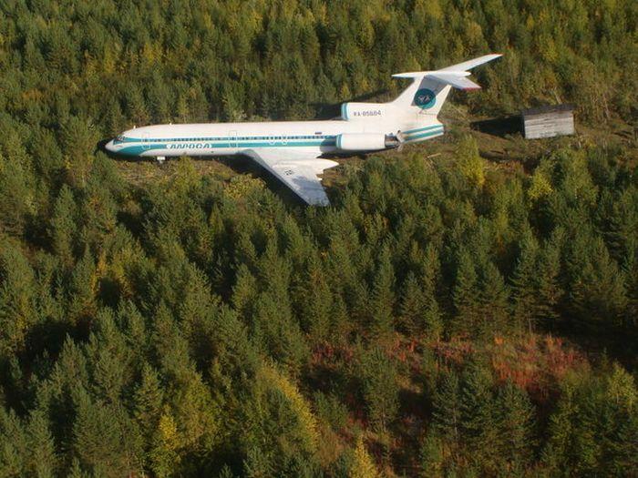 Ижемский Ту-154 после аварийной посадки в тайге 7-го сентября 2010-го года