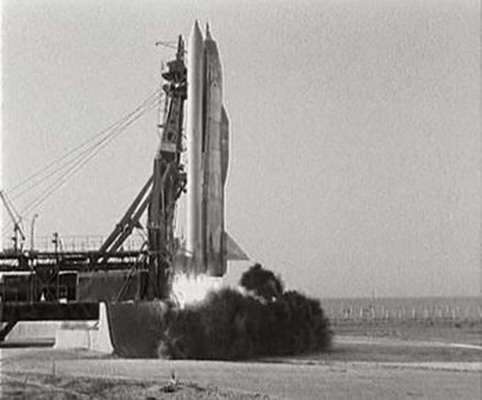 Первая советская КРЫЛАТАЯ ракета Буря на стартовой площадке во время старта
