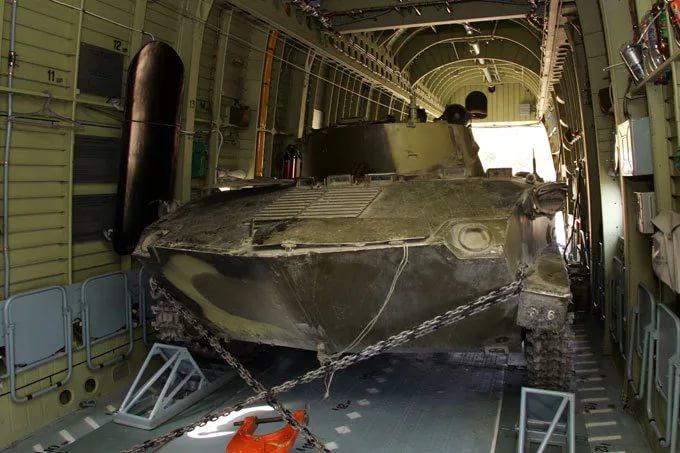 БМД-2 в грузовом отсеке самого большого в мире СЕРИЙНОГО транспортного вертолёта Mи-26