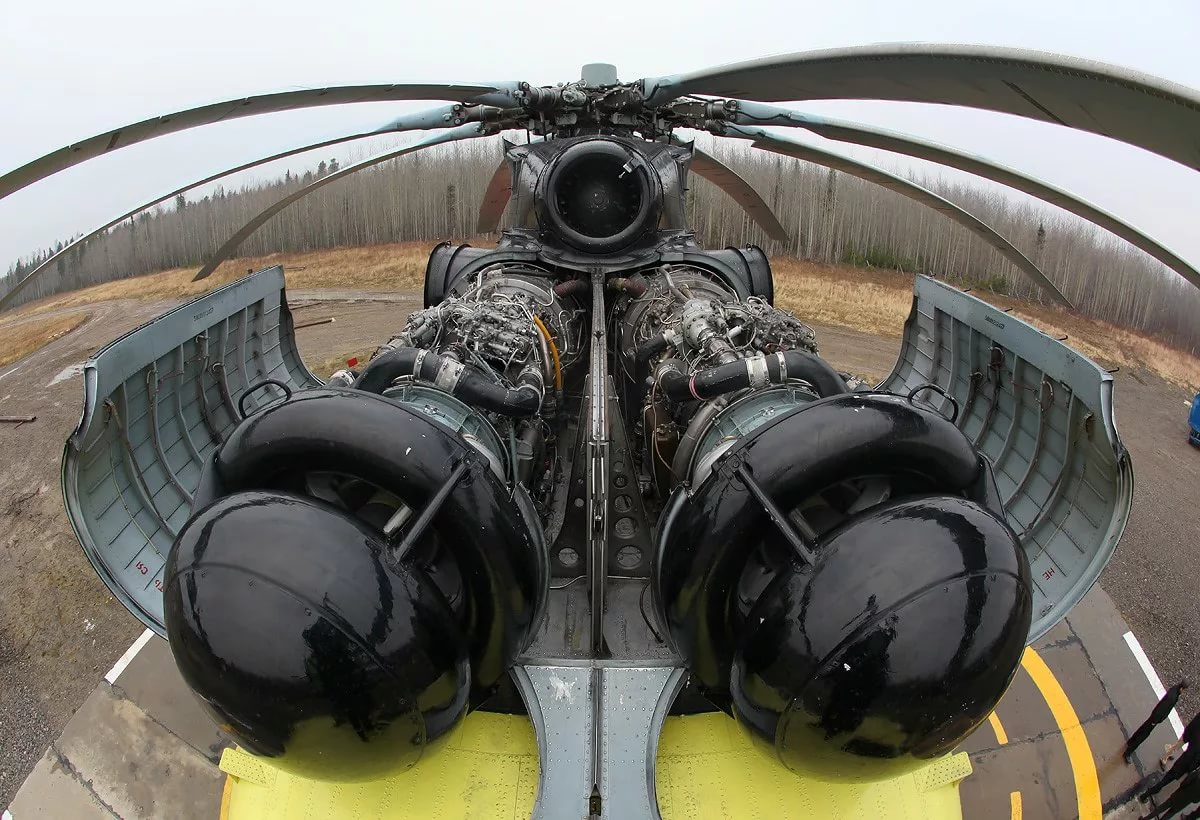 Откидные капоты для технического обслуживания самого большого в мире СЕРИЙНОГО транспортного вертолёта Mи-26