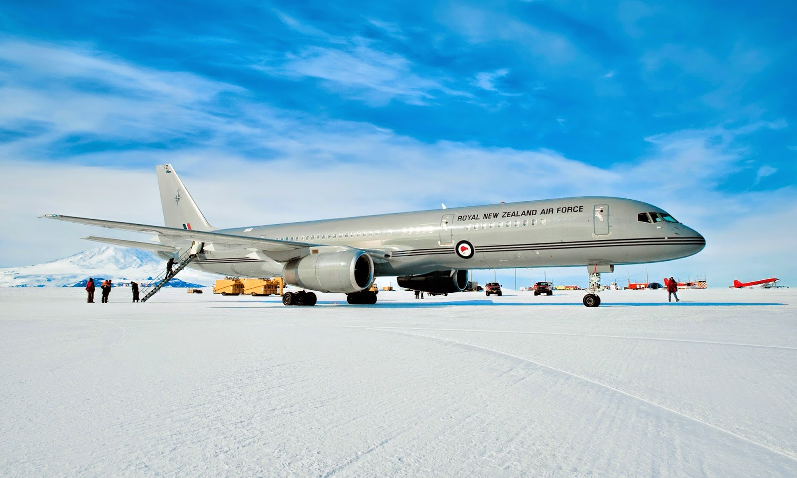 Аэропорт Поля Пегаса в Антарктиде Самолёт новозеландских ВВС