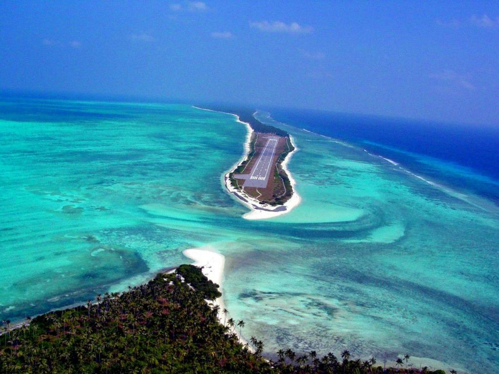 Аэропорт на Лакшадвипских островах в Аравийском море на острове Агатти (Аgatti)