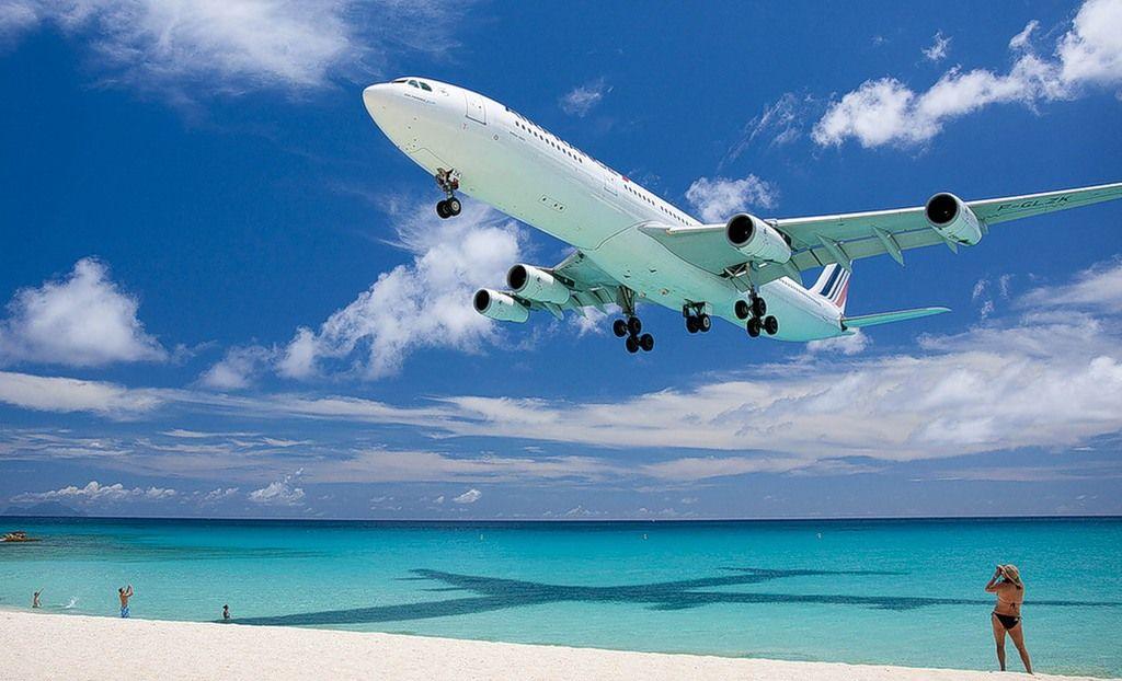 Карибское море Антильские острова Остров Сен-Мартен Аэропорт Принцессы Юлианы За несколько секунд до посадки