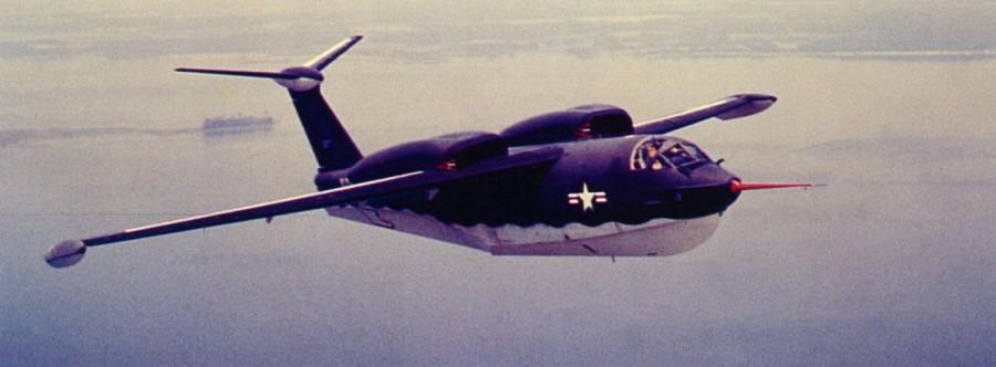 Американский реактивный самолёт-амфибия Martin P6M Seamaster в полёте в 1955 год